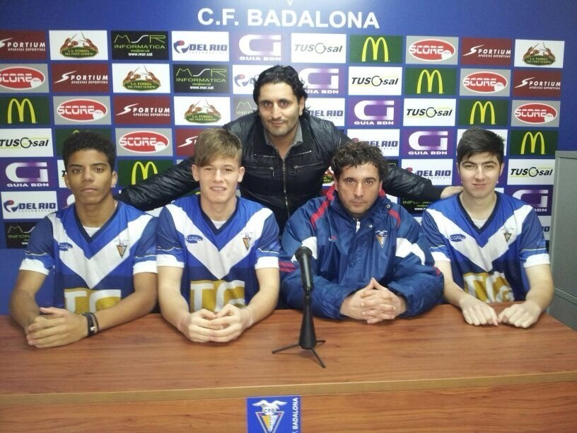 Matt Bonasera (first from right) with GISS director Morris Pagniello, CF Badalona director Ramón Díaz and fellow players Nathaniel Ennis and Donato Fiorenti